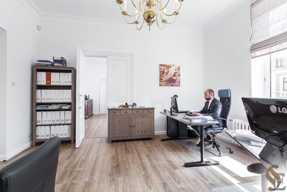 Kancelaria Prawna i Patentowa Efficis - radca prawny adwokat rzecznik patentowy Wieliczka Krakow Małopolska